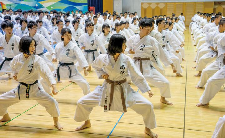 沖縄伝統空手「高校卒業までに黒帯取得」が目標!